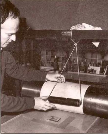 Pierre Albuisson sur sa presse